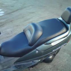 Selle de moto remise à neuf avec assise confort