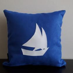 Coussin déco pour bateau : un style personnalisé dans la cabine !