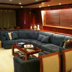 Sellerie de bateau : création d'un canapé d'angle en tissu