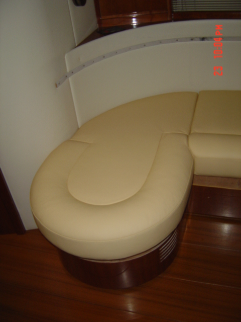 sellerie en cuir vente sellerie bateau int rieur st tropez var grimaud 83. Black Bedroom Furniture Sets. Home Design Ideas